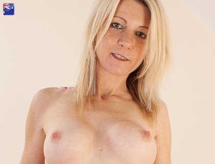 Kinky Granny Live Sex Chat Australia